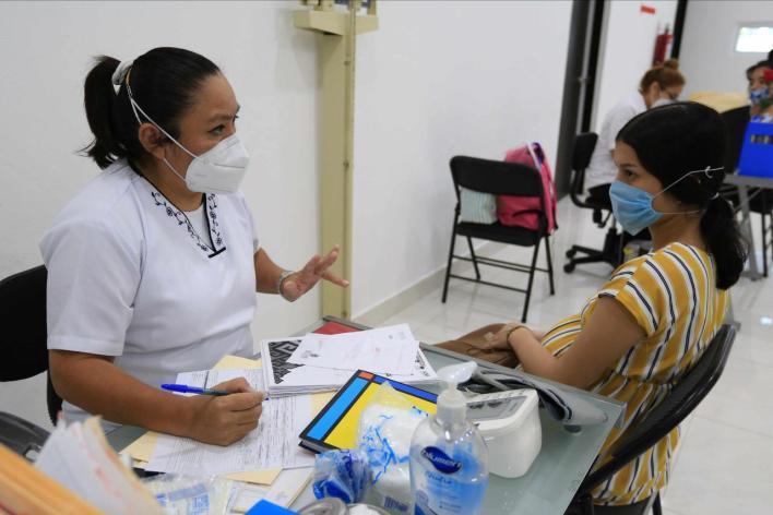 Servicios de salud y medicamentos gratuitos son realidad en Solidaridad: @ LauraBeristain | Cancun Mio