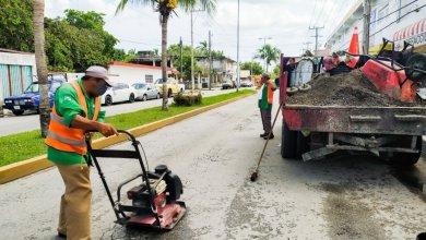Photo of Realizan trabajos de bacheo en calles de Cozumel