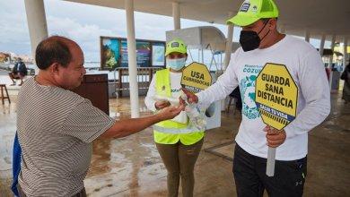 Photo of Entregan más de 10 mil cubrebocas a través de #PonteTruchaConEstaLucha en Cozumel