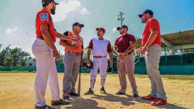 Photo of Vamos a dignificar el campos de béisbol en Isla Mujeres: Chato Bacelis