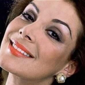 Virginia Vallejo: Periodista y presentadora. Fue amante por varios años de Pablo Escobar. Escribió un libro sobre su relación, llamado 'Amando a Pablo, odiando a Escobar'.