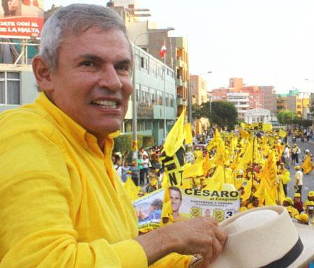 """Zea: """"Si Castañeda habla empezará a caer en las encuestas"""""""