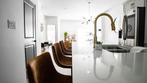 C&R Building Supply DIY Kitchen Remodeling & Renovation Ideas