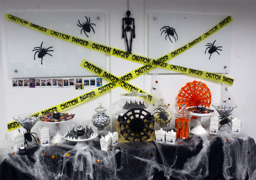 JOandJARS_CandyBuffet_2359Media_HalloweenParty_BlackWhite_TrickOrTreat