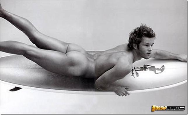 Ryan Kwanten nude