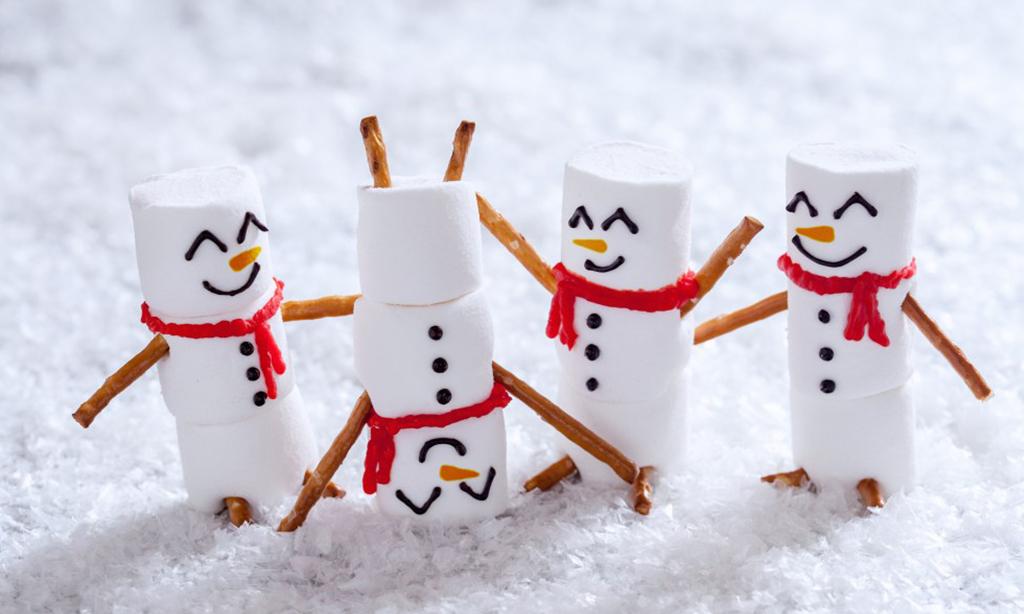 Happy snow men