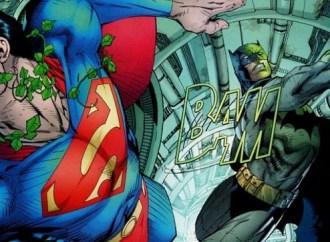 Batman-Superrman-Fight-Kryptonite-Ring