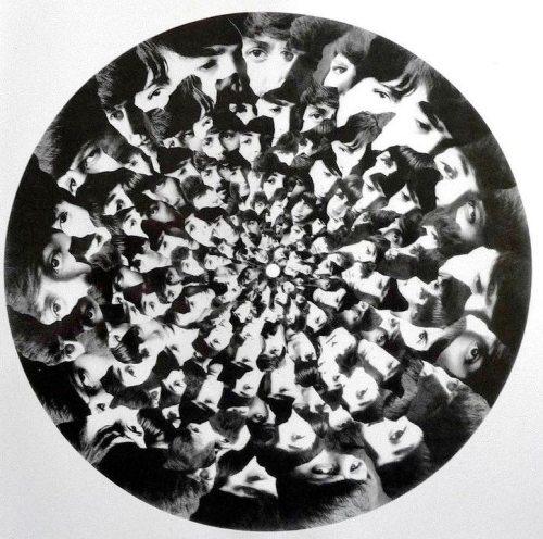 Diseño previo para la galleta del disco.