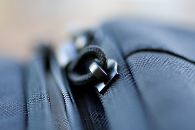 with 50 mm f2,5 zipper macro shot