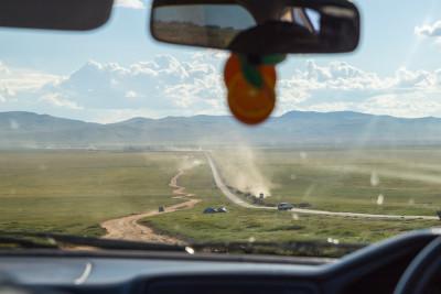 Asfalttan daha hızlı gidilebilen toprak yolların ülkesi :)