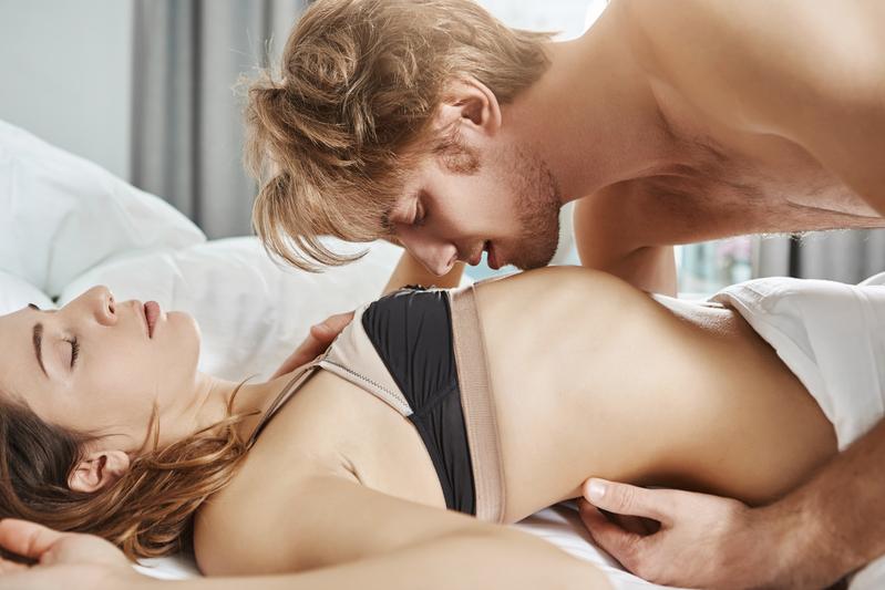 erezione uomo su donna)