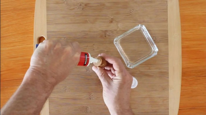 DIY Pipe Saver Ashtry - smear the glue