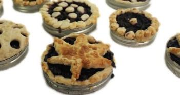 marijuana bluerry pie baked in a Mason jar lid