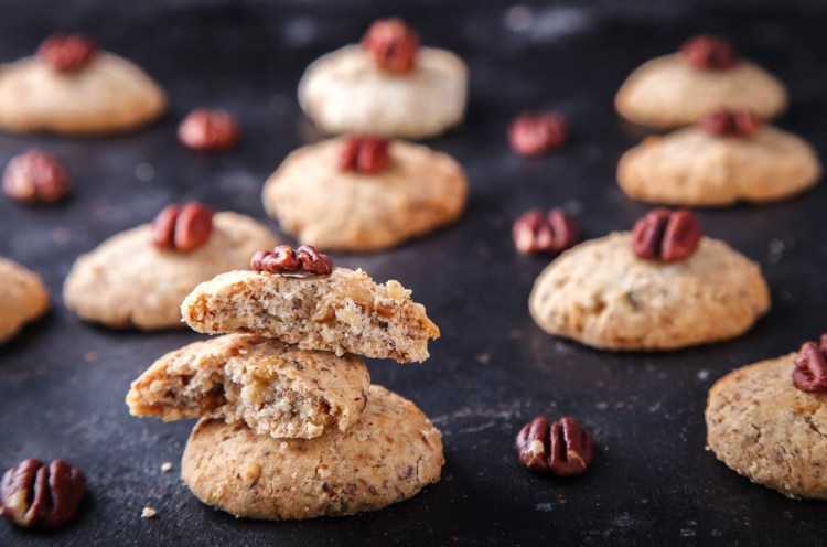 Cannabis Pecan Cookies