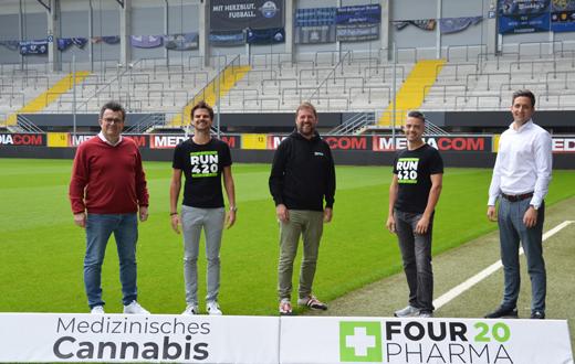 v.l.: Martin Hornberger (Geschäftsführer SCP07), Torsten Greif (CSO Four 20 Pharma GmbH), Wilhelm Schöning (CFO Four 20 Pharma GmbH), Thomas Schatton (CEO Four 20 Pharma GmbH) und Hendrik Schubert (Manager Sales Infront Germany GmbH)