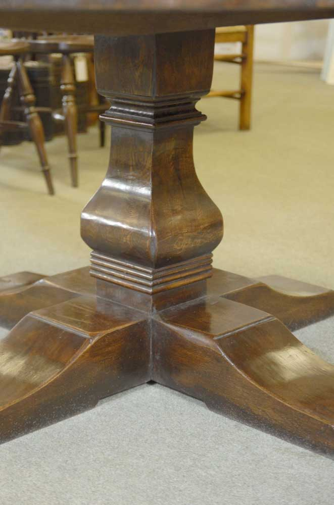Round Spanish Refectory Farmhouse Table Oak Tables Diners