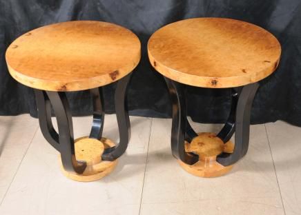 Paar Deco modernistische Side Tables