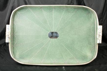 维多利亚时代的Shagreen纯银管家托盘拼盘