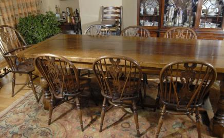 Eiken kloostertafel & 8 Windsor Chair Dining Set