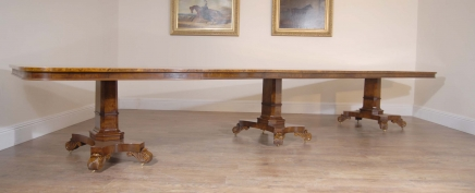 16 Ft Walnut georgiske Pedestal Dining Table