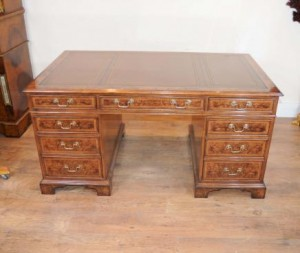 Pedestal Desk Tabela Writing Walnut