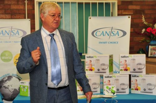 Prof Michael Herbst, CANSA Head of Health with the Salton Baby CANSA Smart Choice products