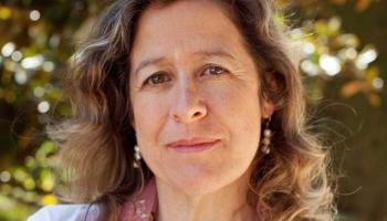 La Asociación de Periodistas de Cantabria otorga el Premio Estrañi 2019 a Berna González Harbour por su aportación informativa y literaria