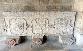 lapida-catedral-santander-cantabria-inusual