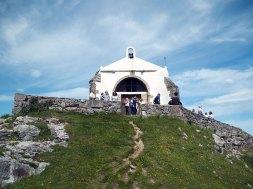 vista-ermita-nieves-cantabria-inusual