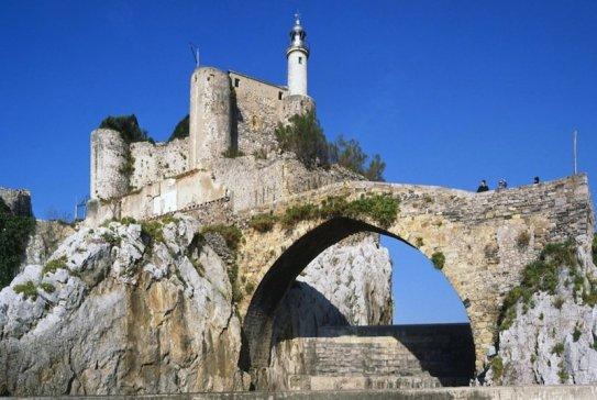 Resultado de imagen de castillo santa ana castro urdiales