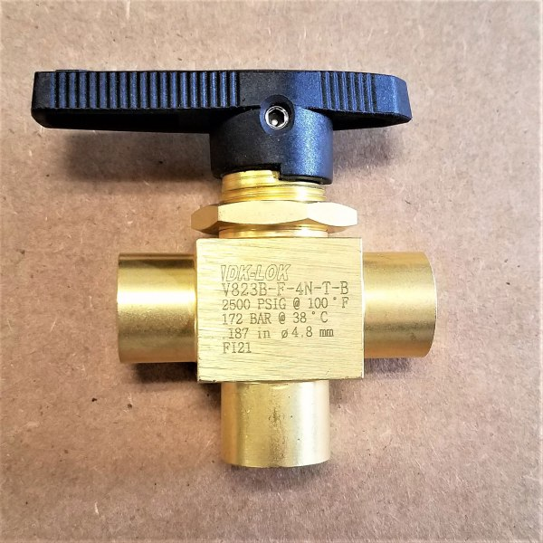 V823B-F-4N-T-B VALVE 3-WAY DIVERTING BALL