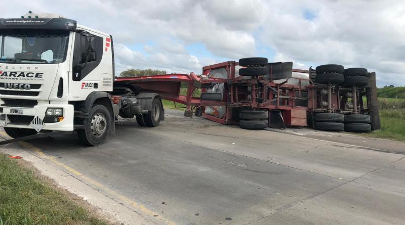 camion_volcado_ruta_6-2