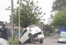 Dos autos chocaron en el barrio Sarmiento