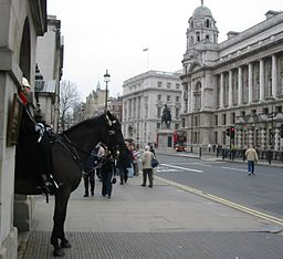 Horse_guard_Whitehall_London