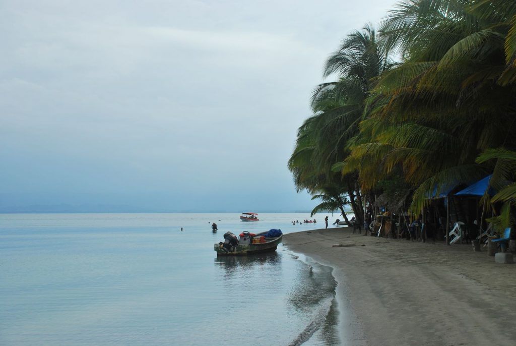 Panama__Playa Estrellas