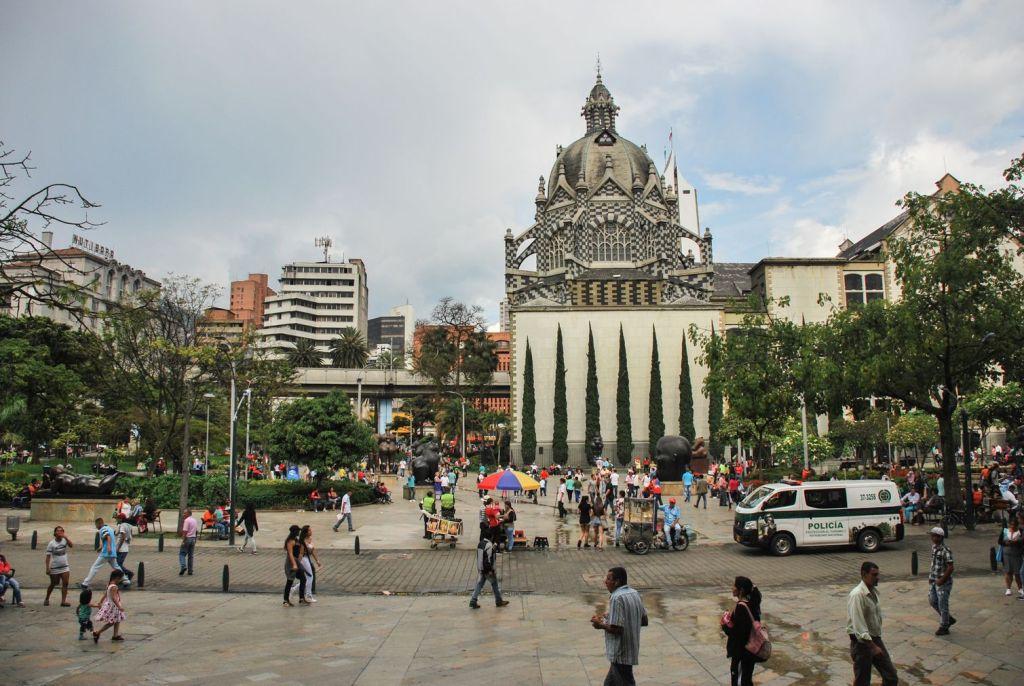 Medellín_place_Botero