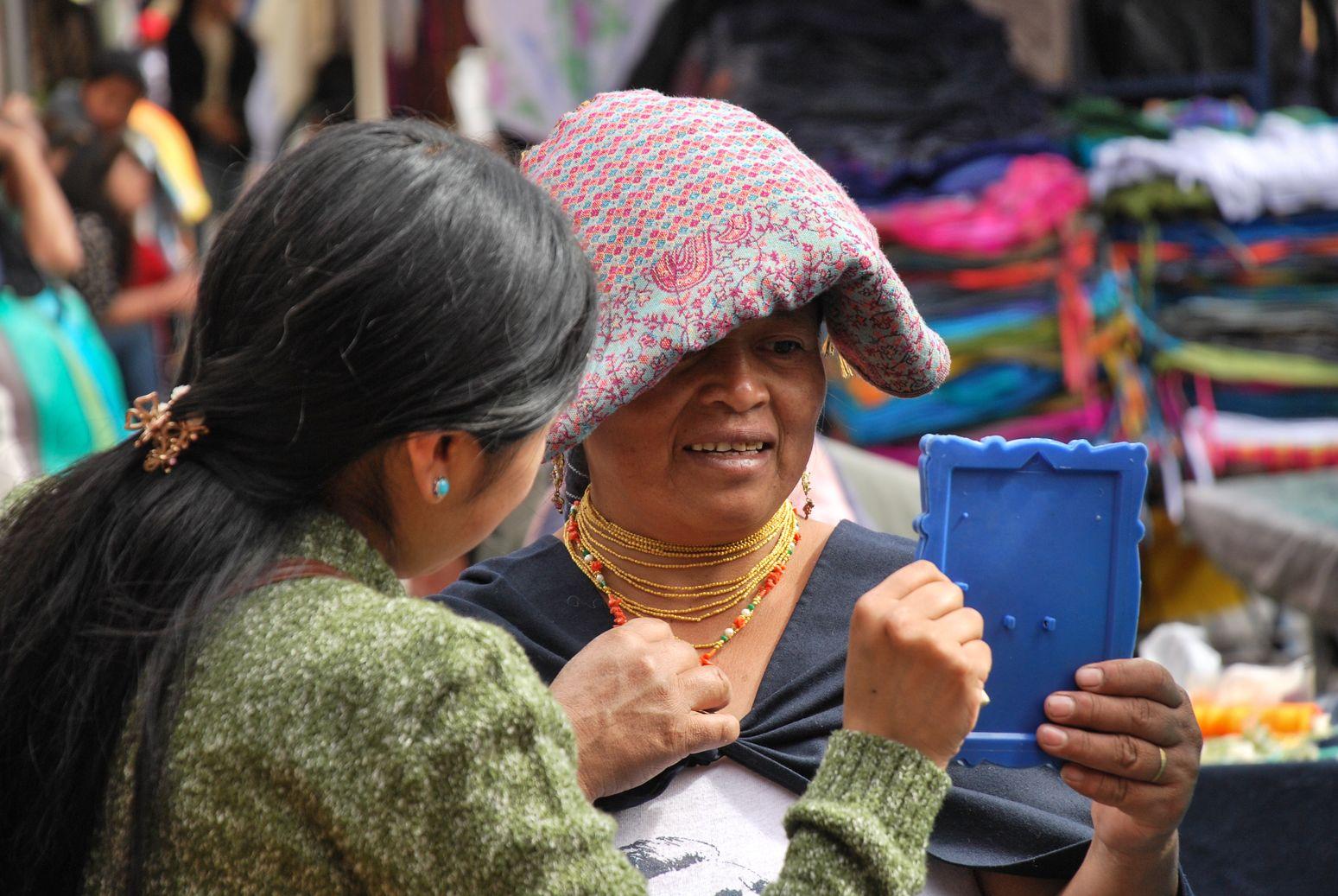 J 253 à J 257-Premiers pas Equatoriens : Des allées colorées du marché d'Otavalo aux lagunes volcaniques