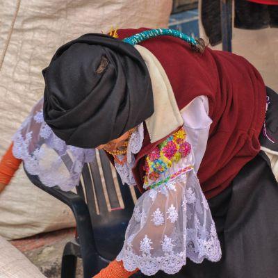 Otavalo_Femme_Tenue_Traditionnelle