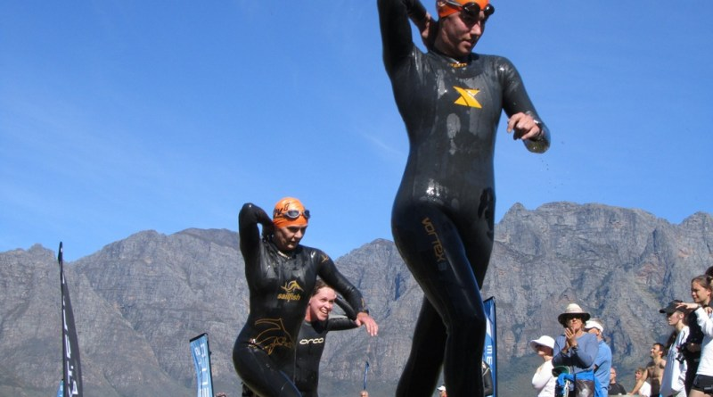 Bev heading into T1, Slanghoek Triathlon 2012