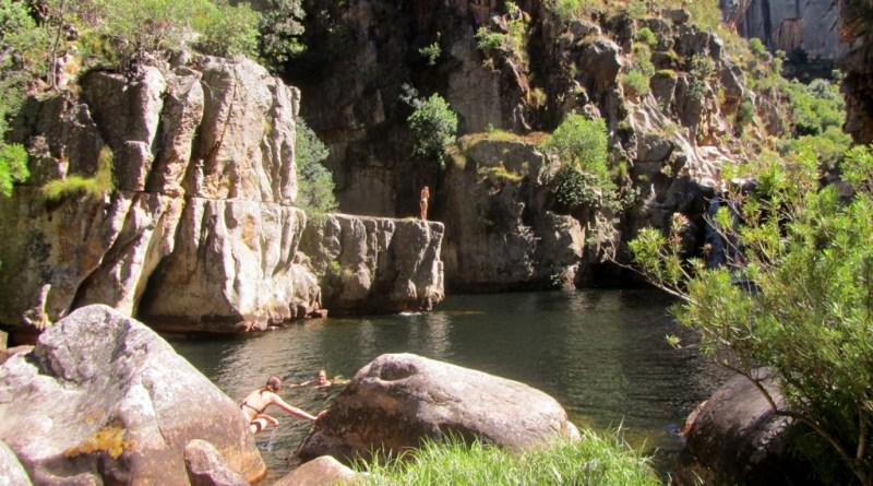 Swimming and cliff-jumping at Die Hel, Groot Winterhoek