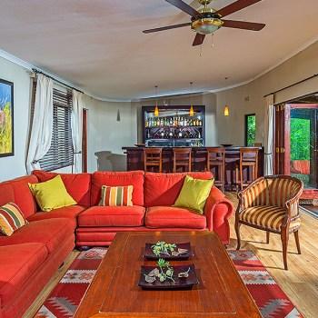 Kariega Homestead Bar and Lounge Area