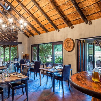 Kariega River Lodge Indoor Dining Area