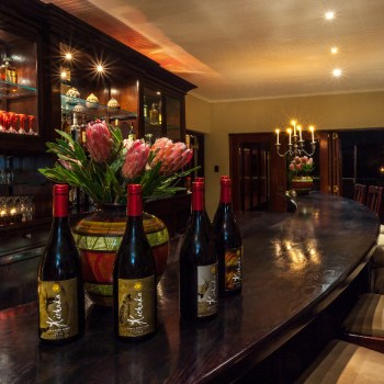 Kichaka Luxury Game Lodge Bar Area