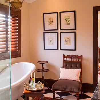 Mills Manor Luxurious Bathroom