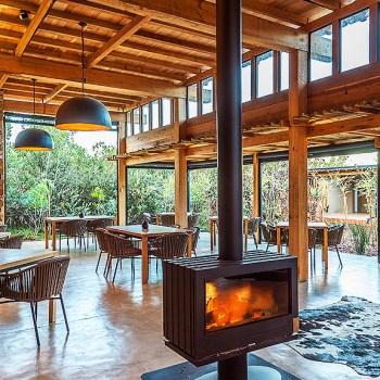 Ukhozi Lodge Kariega Fireplace