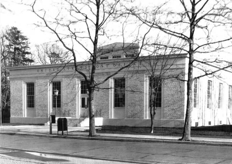 The post office on Washington Street after it was completed in 1938. Photo from our archives.