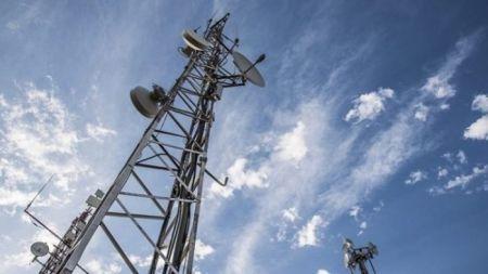 les sociétés intéressées par l'une des deux licences télécoms invitées à faire leurs propositions