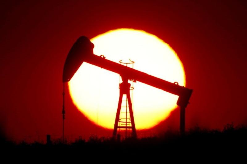 Chevron profit drops on weaker refining margins, storm hit By Reuters