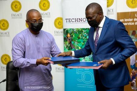 Cérémonie de signature de l'accord de partenariat entre TechnoServe et le FAGACE