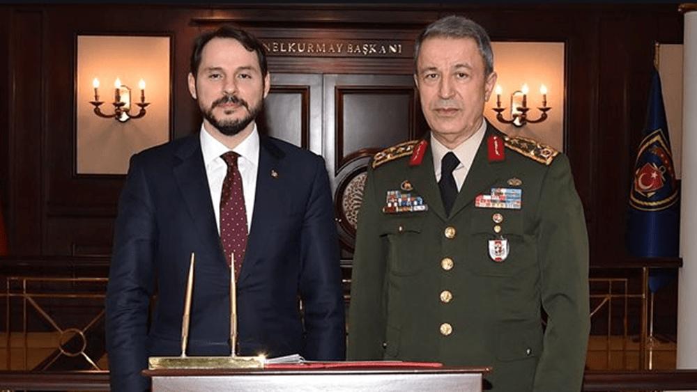 """Τουρκία: Η """"ανάσταση"""" Αλμπαϊράκ και η πιθανολογούμενη """"καρατόμηση"""" Ακάρ"""